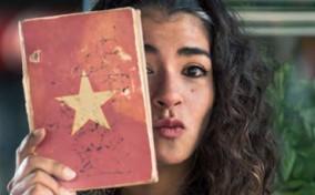 [Nhân Vật] Yanneth Albornoz – Cô gái nghệ sĩ yêu cà phê Việt