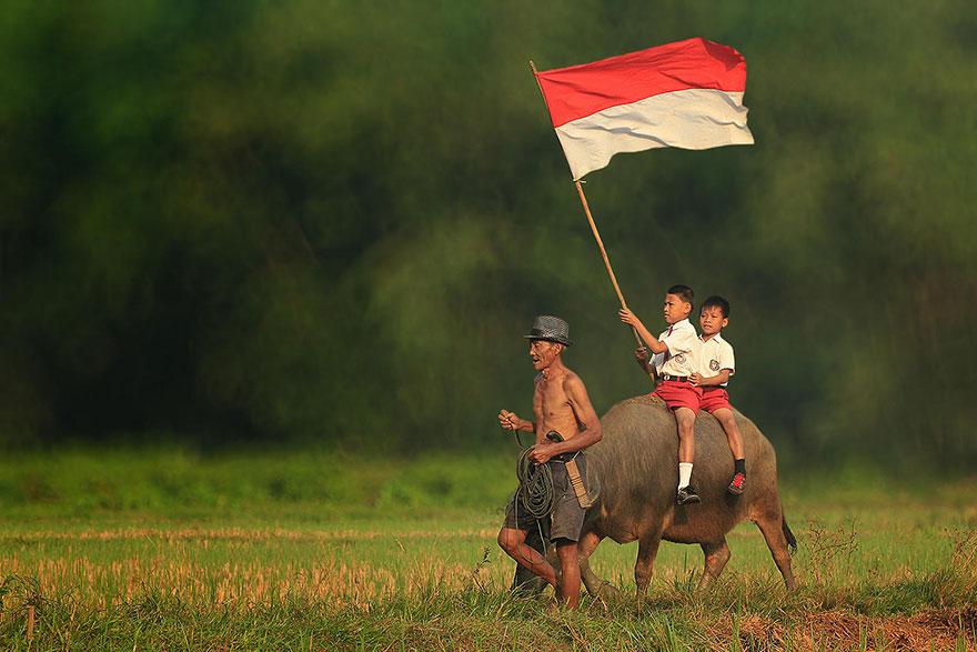 rgb_vn_village-life-indonesia-herman-damar-18