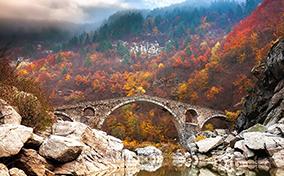 Vẻ đẹp huyền ảo của những cây cầu cổ xưa nổi tiếng thế giới