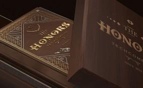 Quyển Sách Vàng The Honors Techcomers thiết kế bởi Bratus Agency
