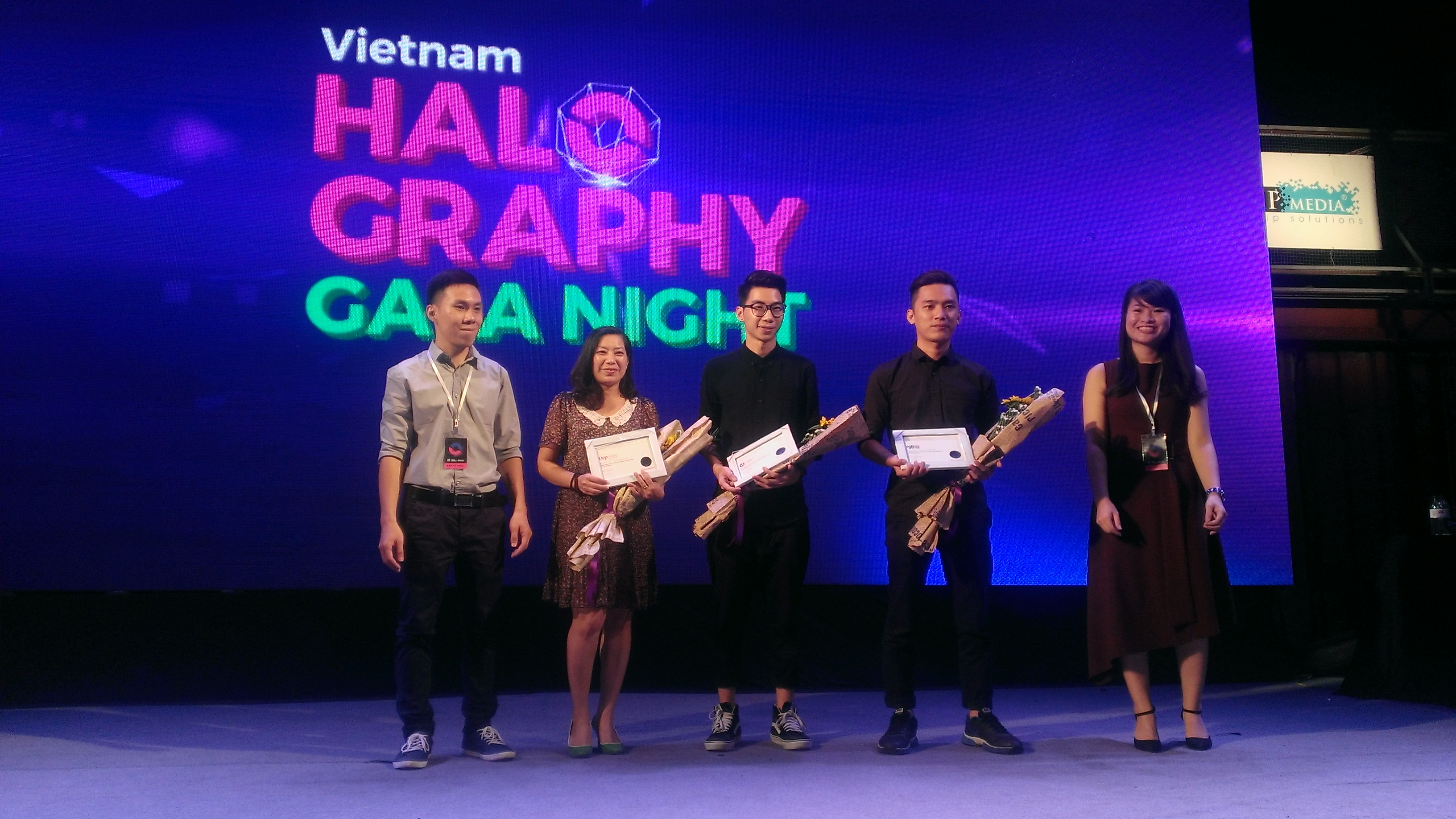 bung-no-dem-gala-vietnam-halography-2016_07