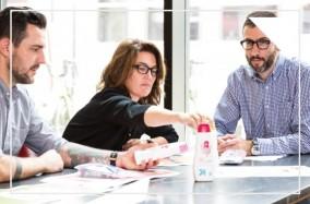 Làm sao để Designer có thể sáng tạo khi làm việc trong một tập đoàn?