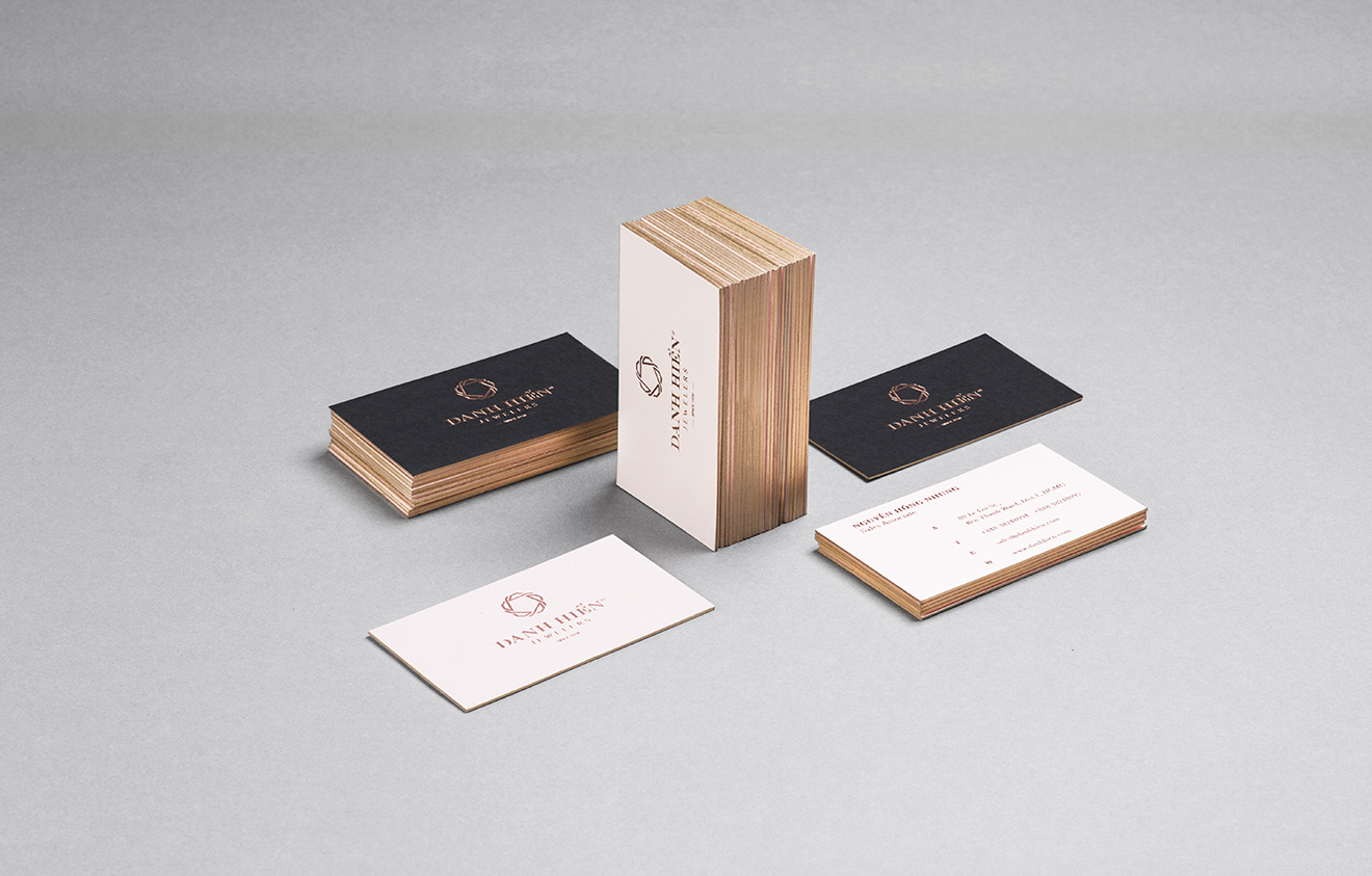 corporation-identity-bratus-branding-agency-vietnam-luxury-busines-card-foil