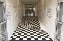 Mệt mỏi vì người ta chạy trong hành lang. Công ty này đã tạo nên một sàn nhà ảo ảnh chỉ đề ngăn ngừa tình trạng này !