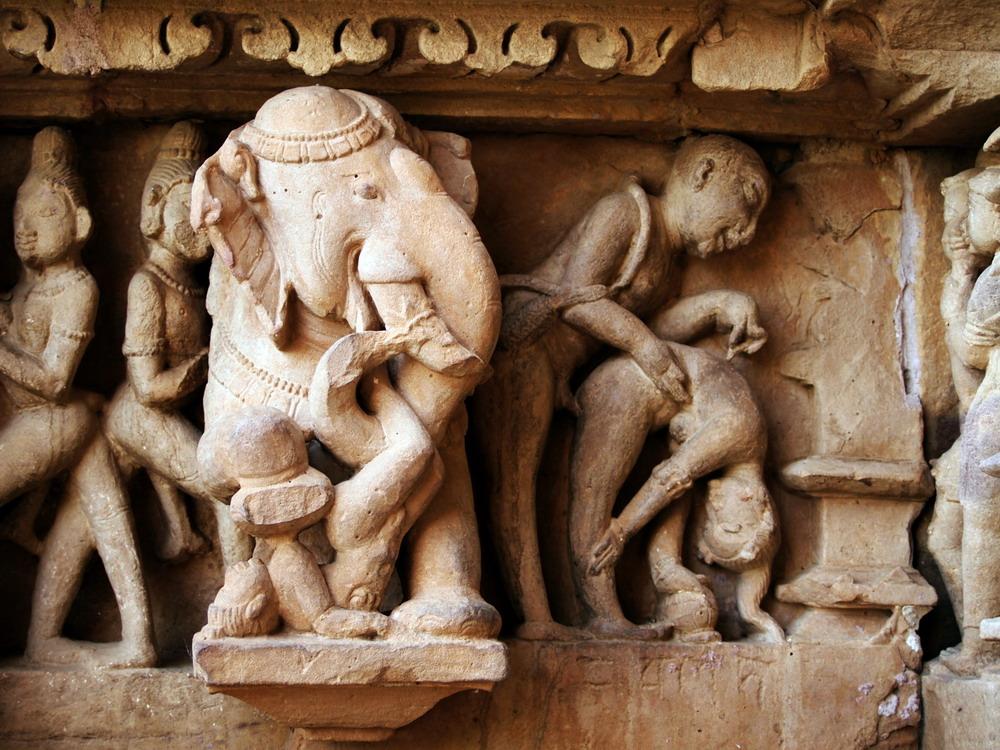 Kienthuc-Khajuharo-temple-06
