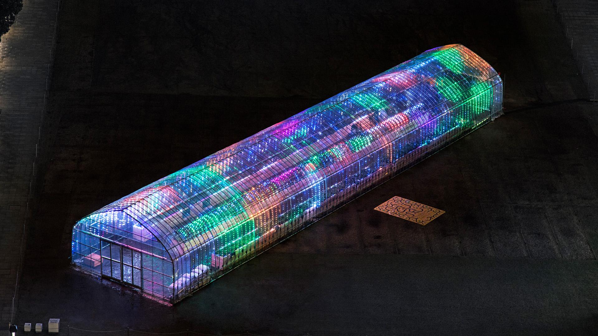 rgb_creative_ideas--digital-vegetable-japan-greenhouse-02