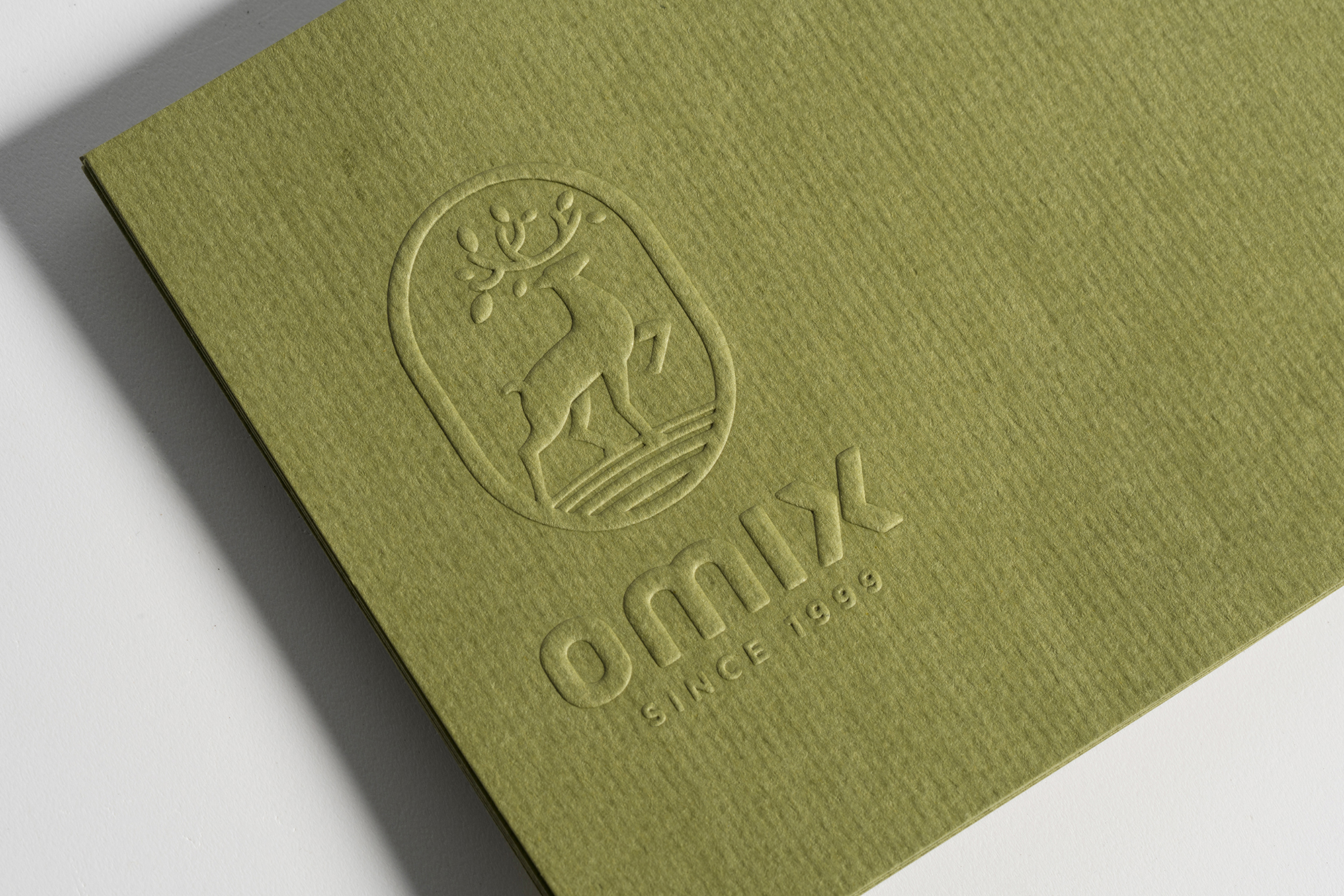 rgb_creative_ideas_design_packaging_bratus_omix_012
