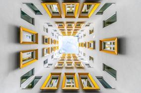 Thế giới hình học qua góc nhìn của Hlinka Zsolt