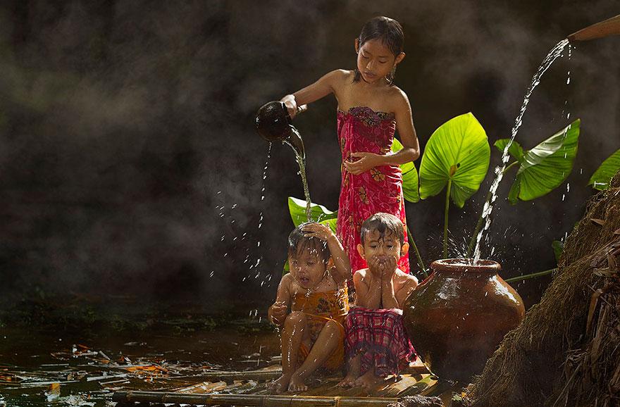 rgb_vn_village-life-indonesia-herman-damar-1