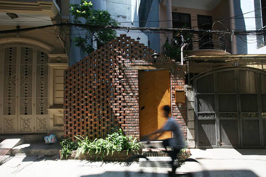 rgb.vn_Nét cổ xưa trong ngôi nhà gạch ngói và bê-tông giữa lòng Hà Nội_01