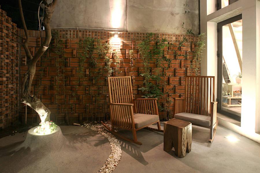 rgb.vn_Nét cổ xưa trong ngôi nhà gạch ngói và bê-tông giữa lòng Hà Nội_09