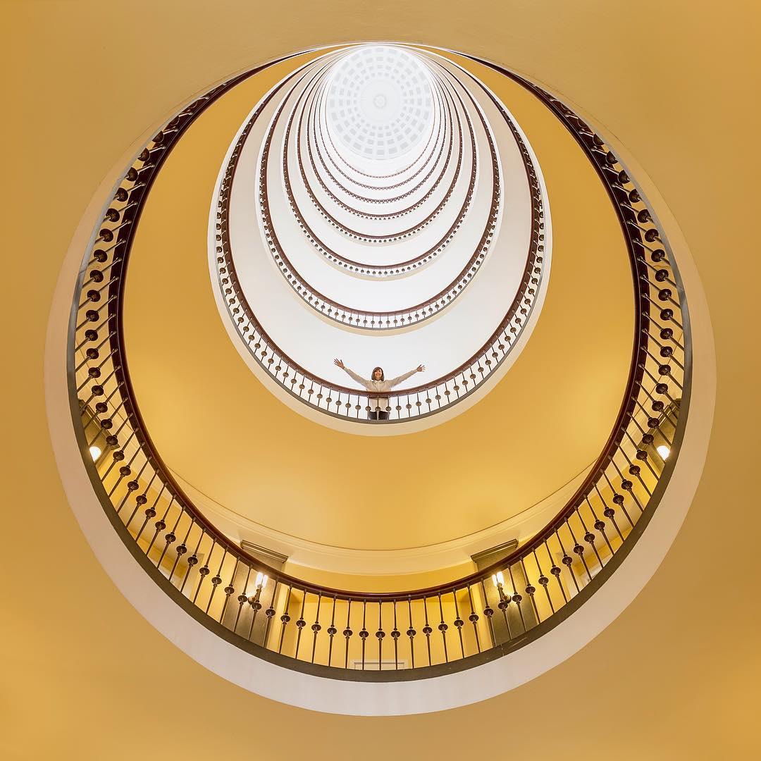 rgb_creative_aesthetic-architecture-photography-traveling-daniel-rueda-anna-devis-6