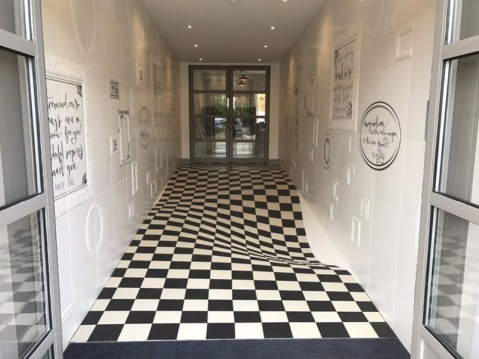 wavy-floor-optical-illusion-casa-ceramica-1-59ddd9f5eca13__700