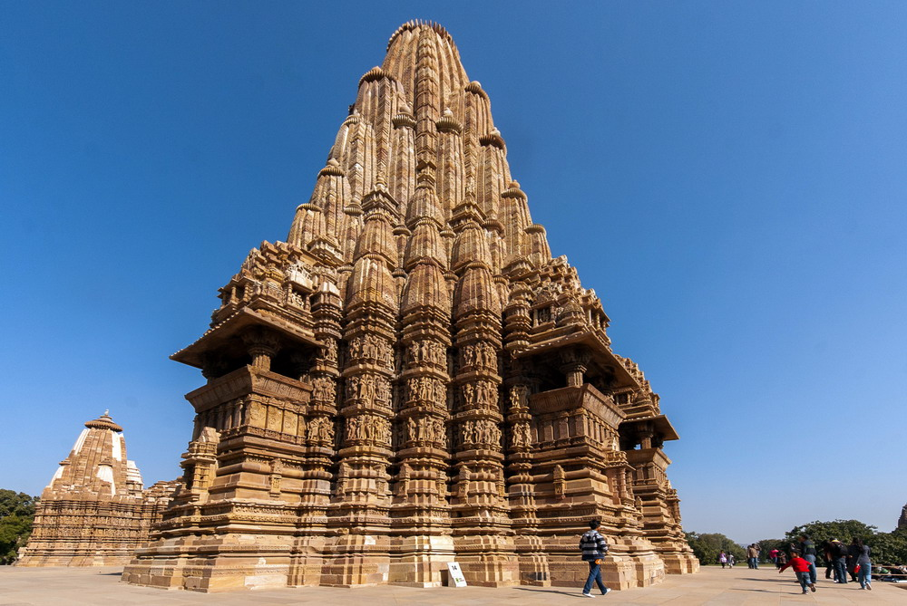 Kienthuc-Khajuharo-temple-11