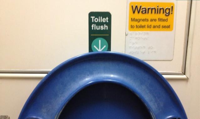 rgb_design_creative_ux_toilet_03