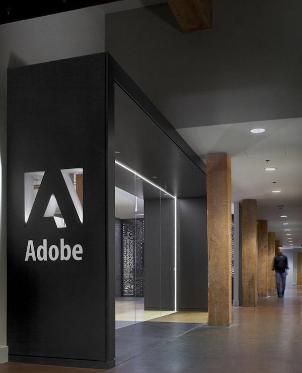-- Văn phòng này là một tòa nhà lịch sử với tổng diện tích 44.000 mét vuông ở khu vực South of Market, San Francisco.